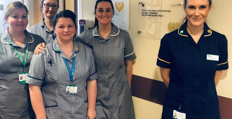 Lindsey Dawson and staff from the Ward F11 Haematology Unit team